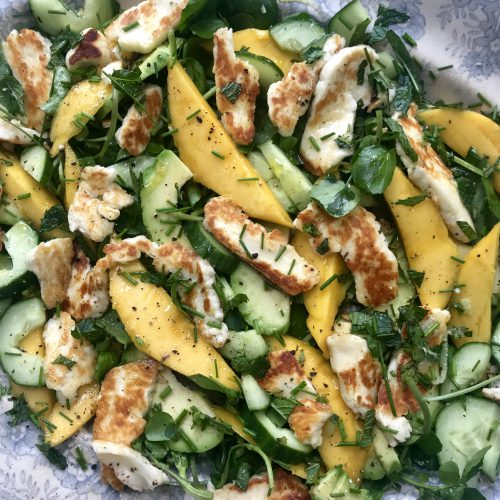 Mango and halloumi salad